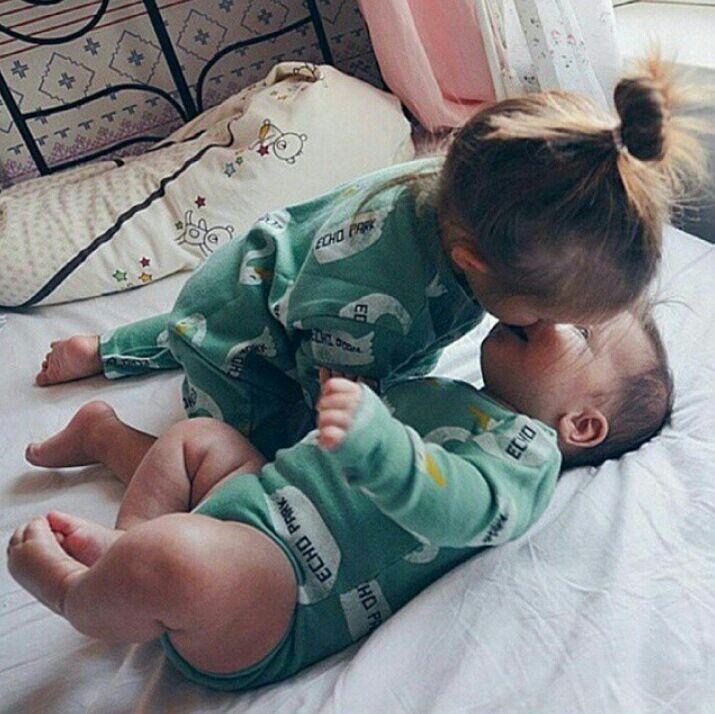 Смотреть брат с сестрой смотрят на свои писи 2 фотография